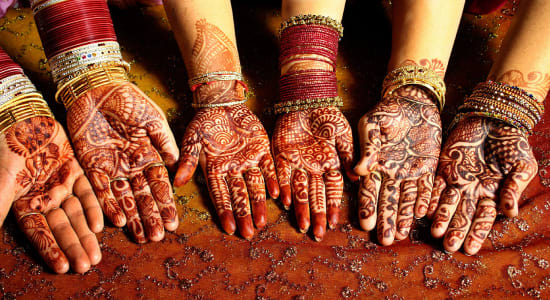 1 slide india henna hands pano