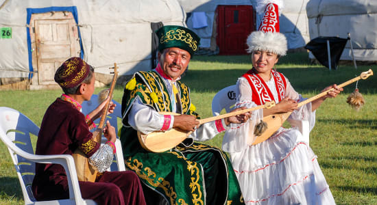 mongolia traditional clothing musicians yurts