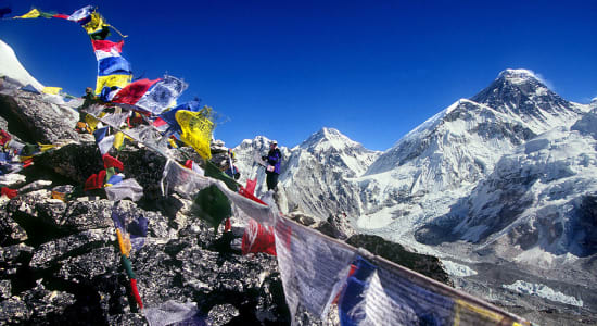 nepal everest trek prayer flags