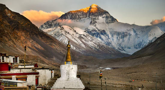 tibet rongbuk monastery mt everest sunrise