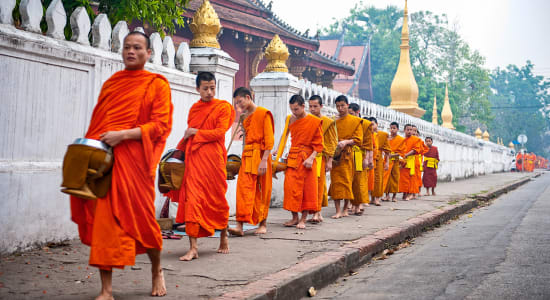 indochine monks laos luang prabang