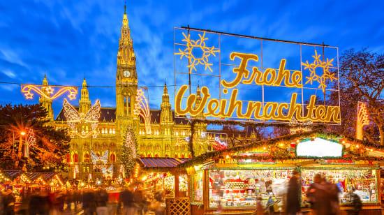 1 slide austria vienna christmas market pano