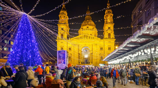 1 slide budapest hungary st stephens basilica square christmas market pano