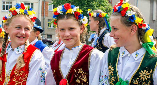 klaipeda lithuania girls in traditional costumes