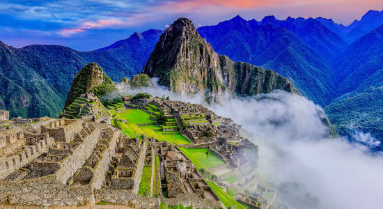 peru inca trail machhu pichu fog ruins