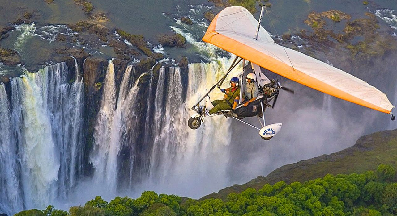 batoka waterfall hang gliding