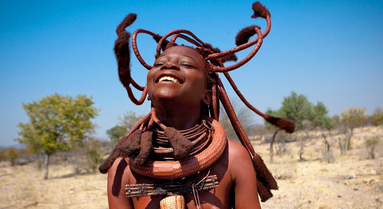 7 slide namibia himba girl laughing pano
