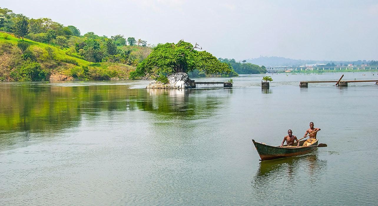 uganda boat rowers