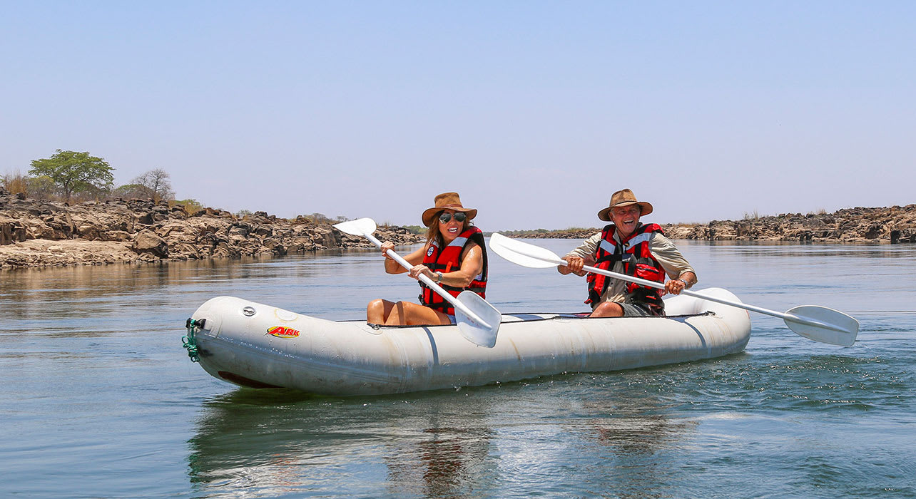 safari zambezi sands canoeing