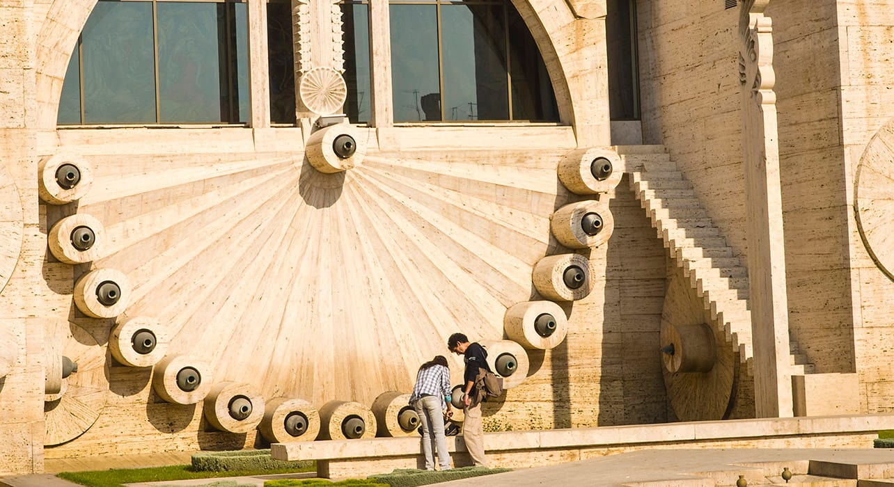 yerevan clock couple