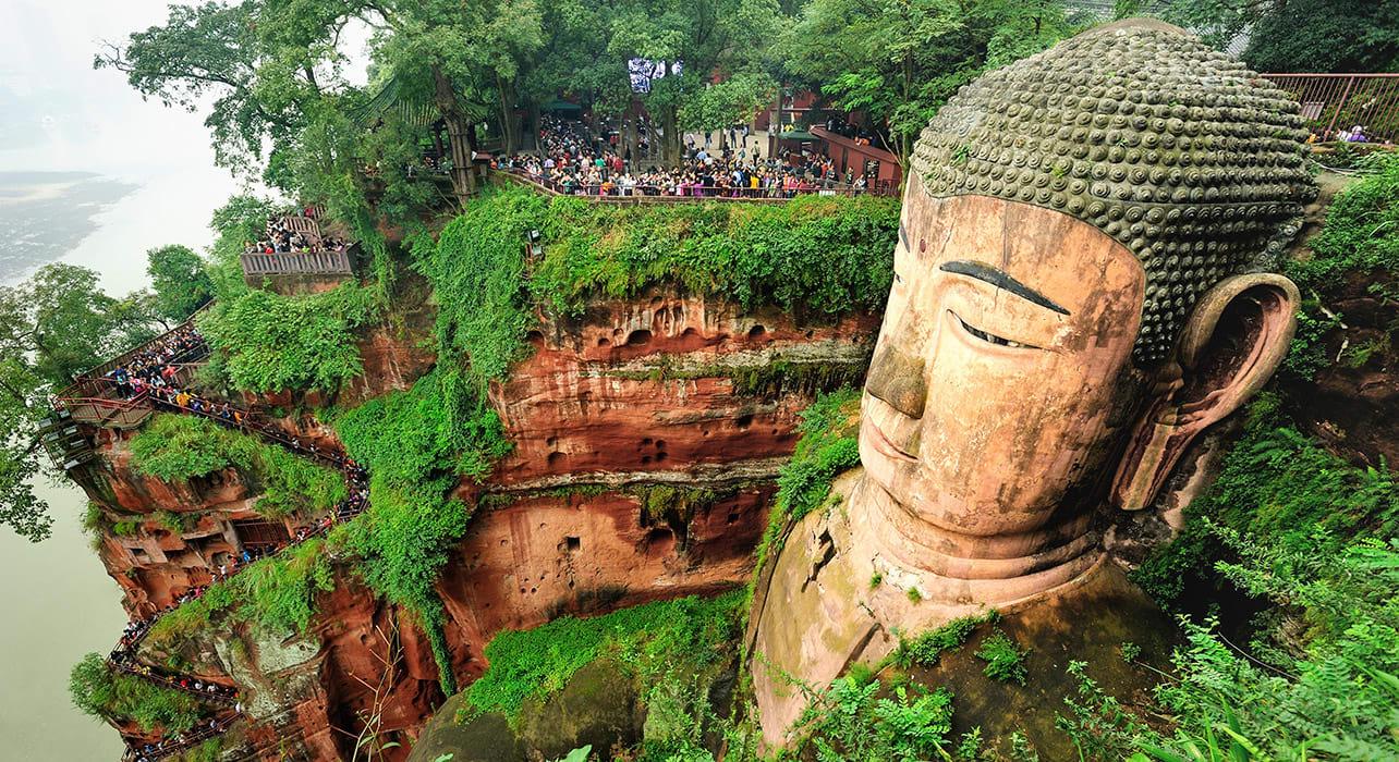 sichuan yunnan leshan giant buddha