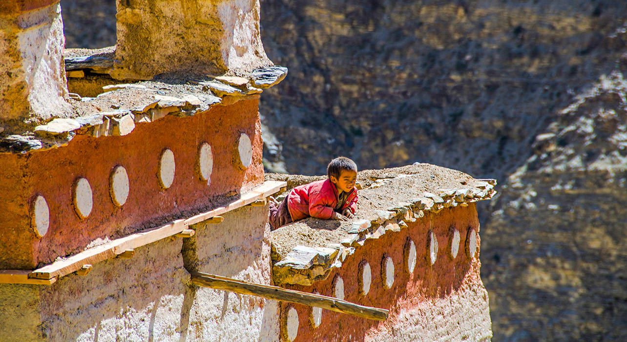 monk boy dolpo nepal