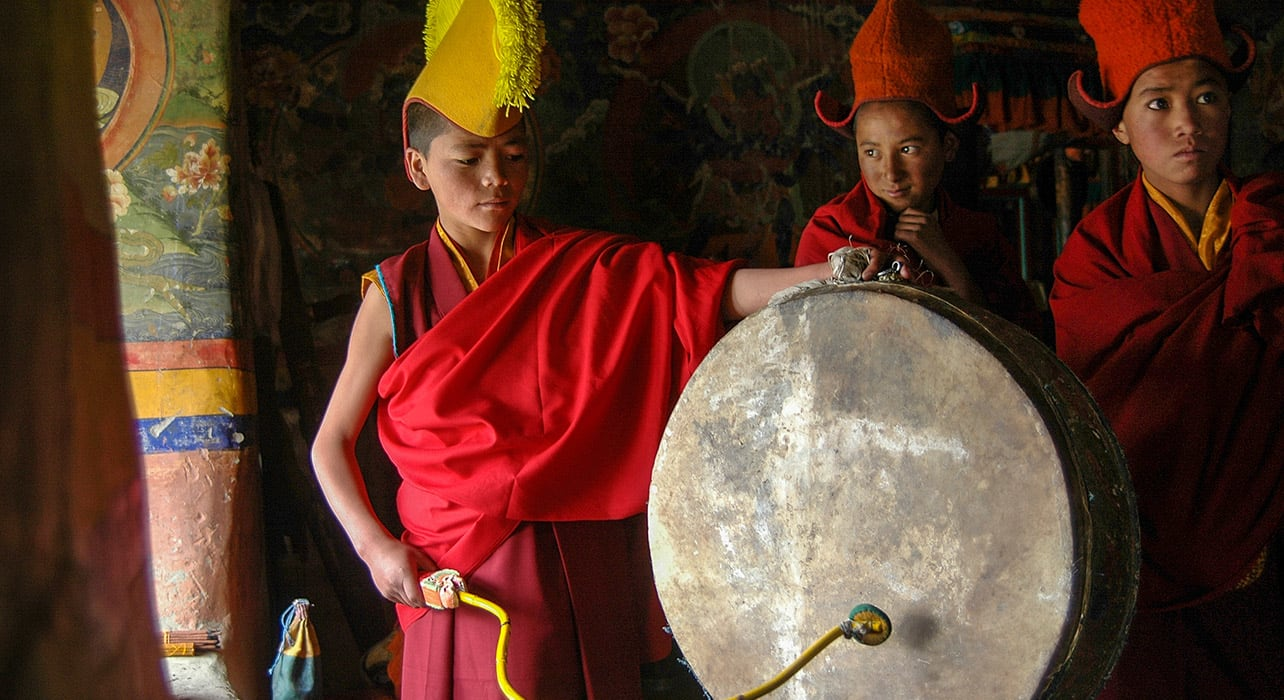 ladakh monk drum children
