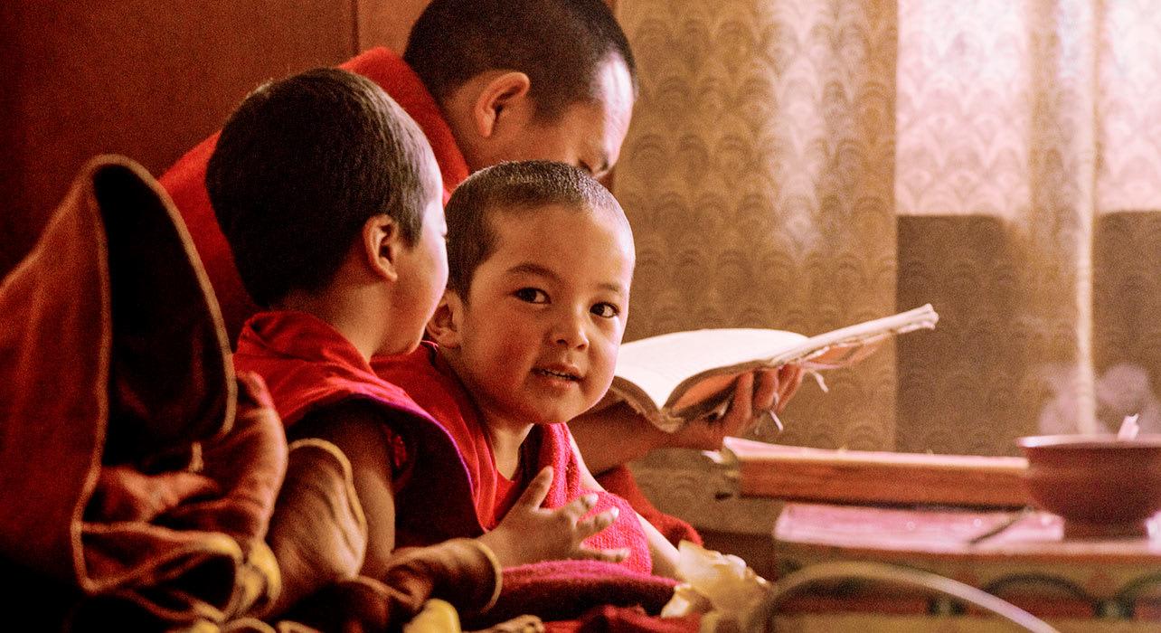monk boys study asia