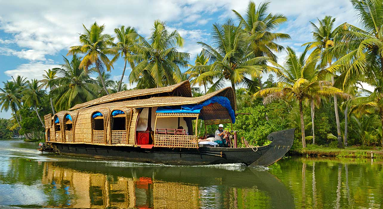 2 slide south india kerala house boat pano