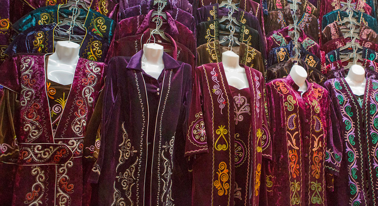 kyrgyzstan traditional clothing dresses
