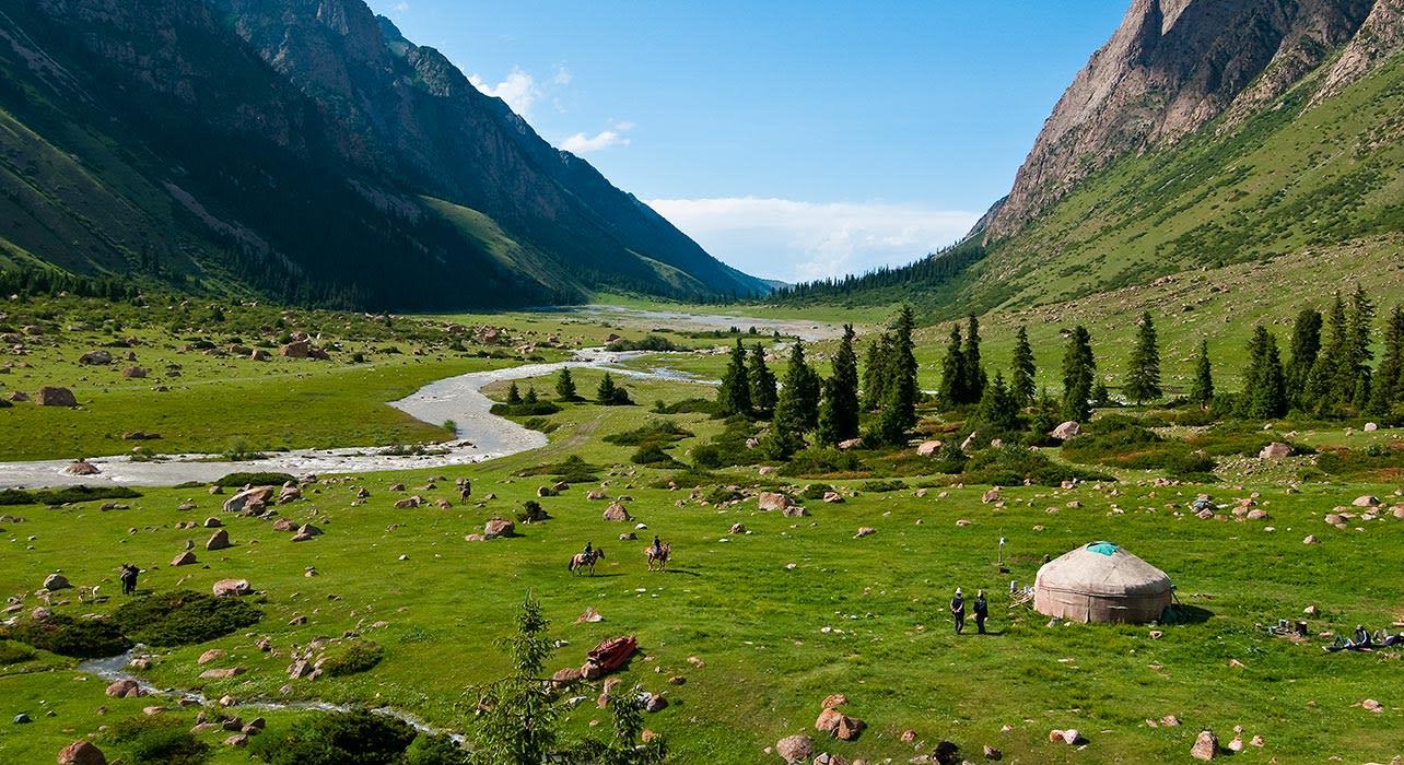 4 slide kyrgyzstan ger camp pano