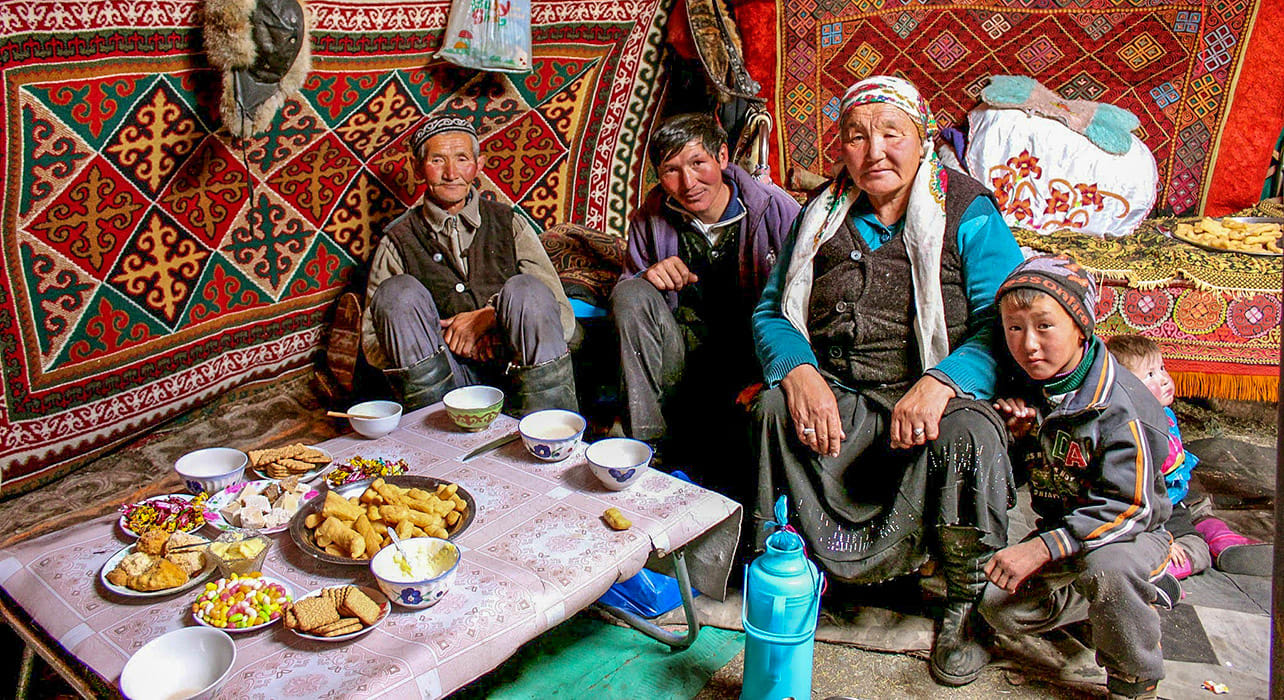 mongolia family yurt traditional meal