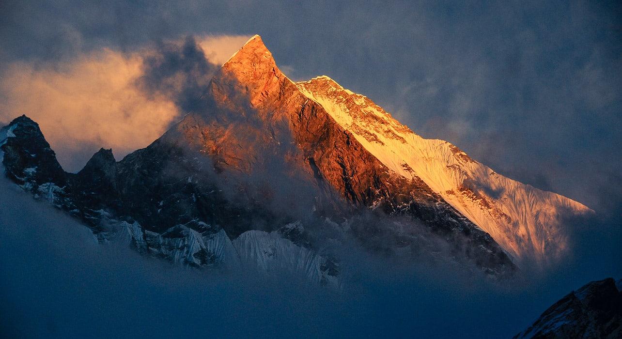 peak mountain sunset nepal annapurna
