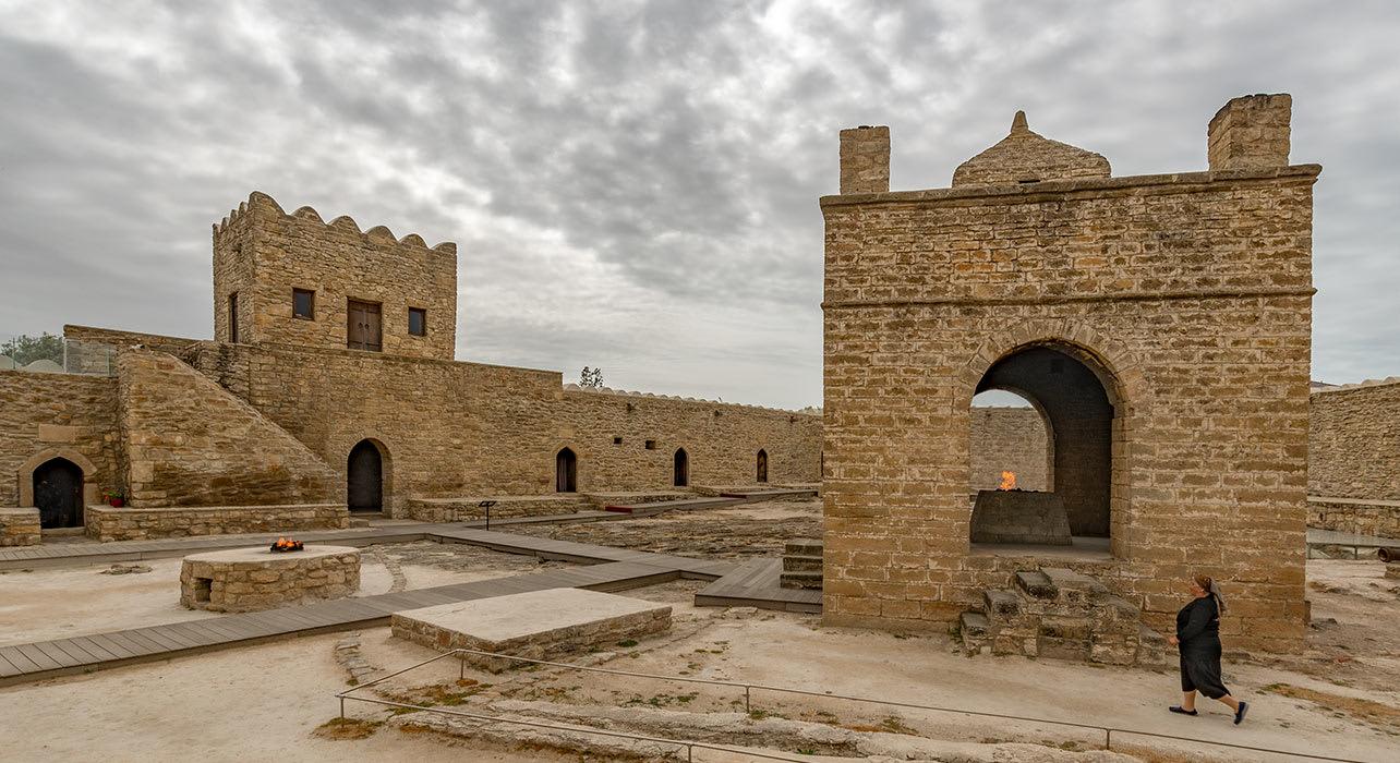 baku azerbaijan ateshgah fire temple