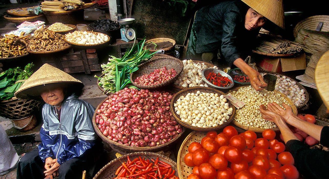 vietnam vegetable vendors