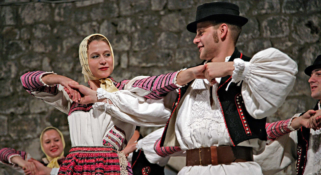 croatia couples dancing traditional