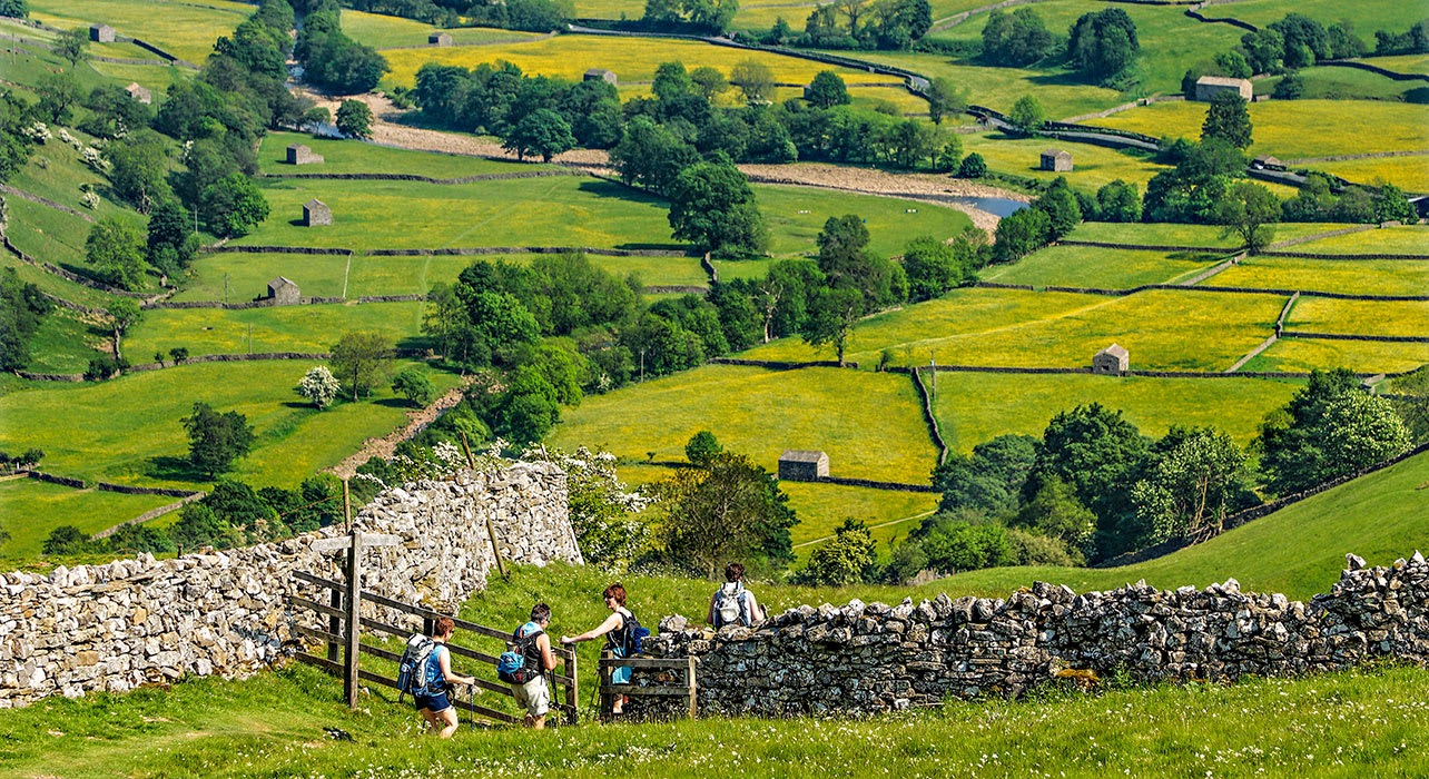 6 slide dales england fence hikers pano