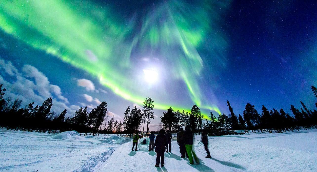2 slide finland lapland northern lights aurora borealis pano