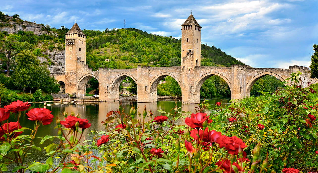 france cahors stone bridge