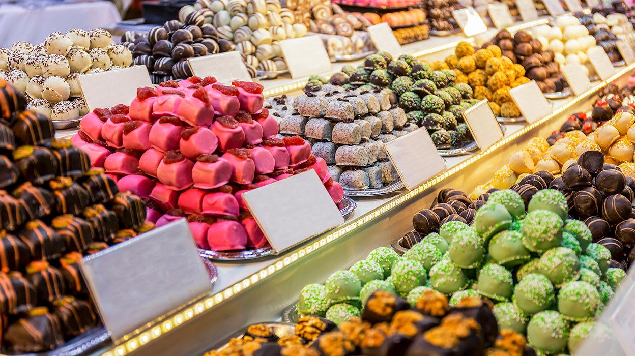 4 slide budapest hungary christmas market marzipan candy pano