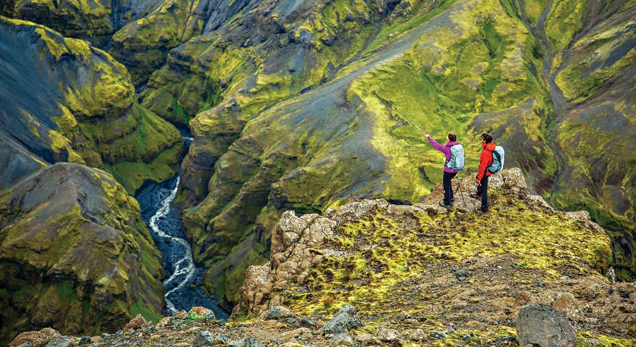 iceland river hikers