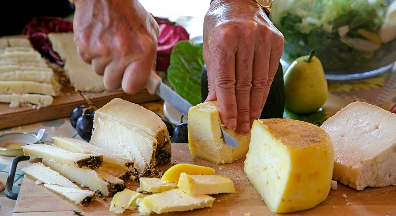 3 slide cheese n knife italy picnic pano