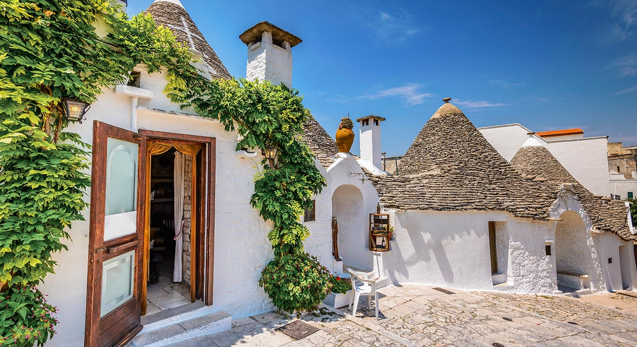 alberobello puglia italy trulli house traditional