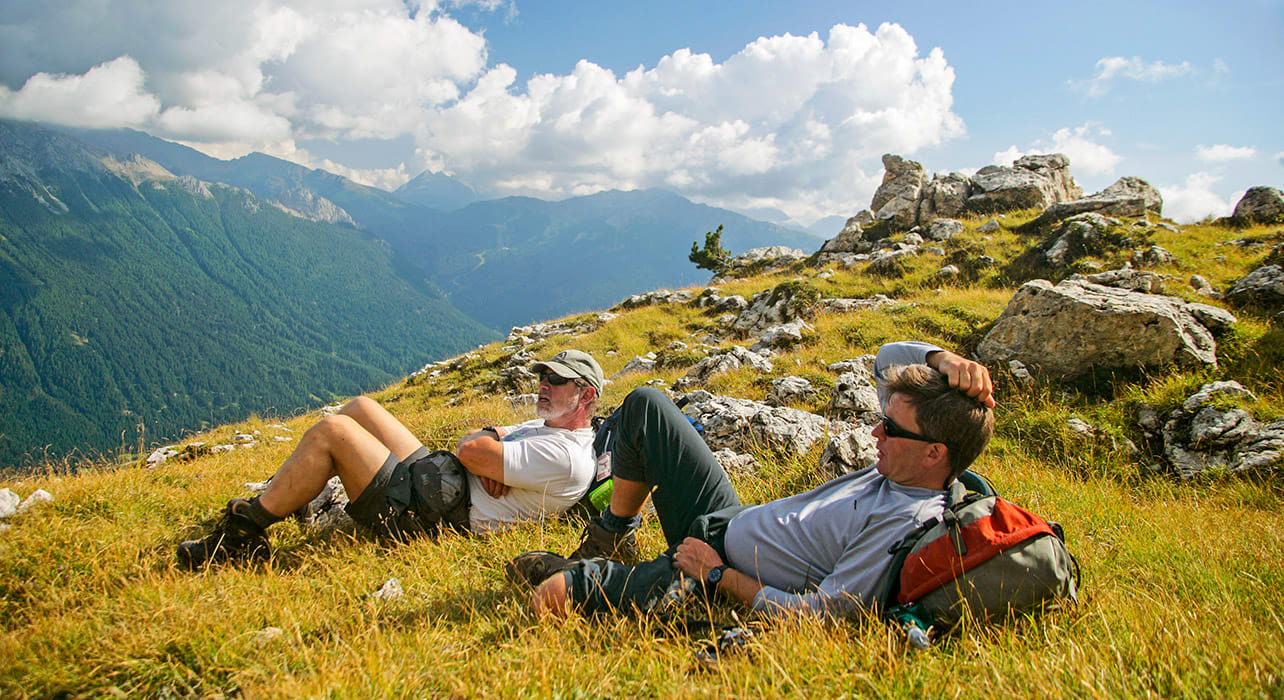dolomites hikers relaxing