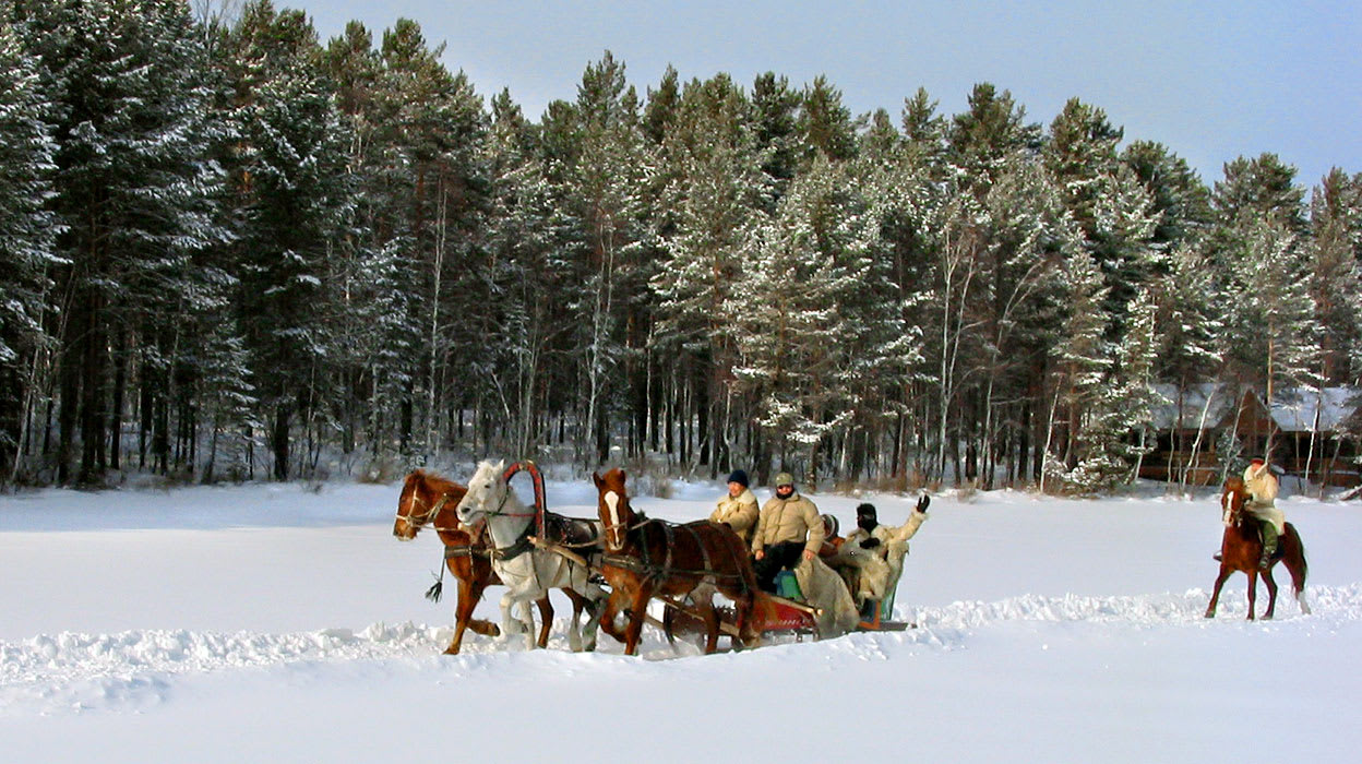russia winter horse drawn carriage