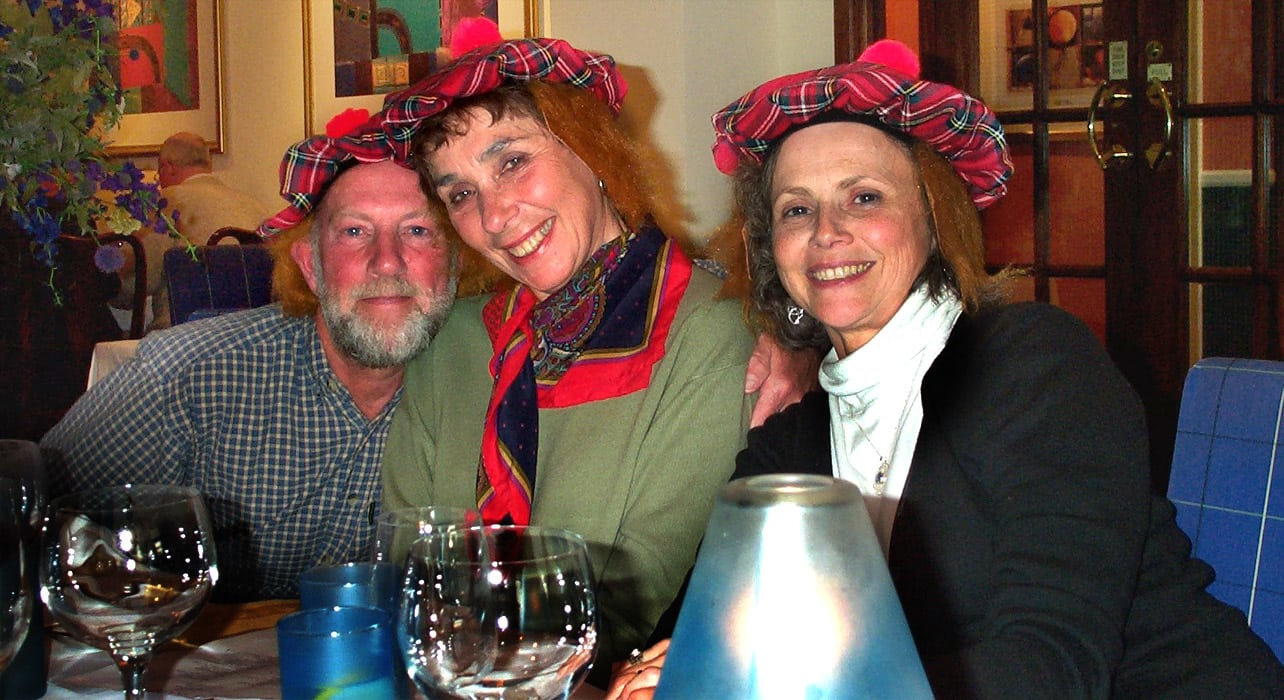 scotland happy group traditional hats