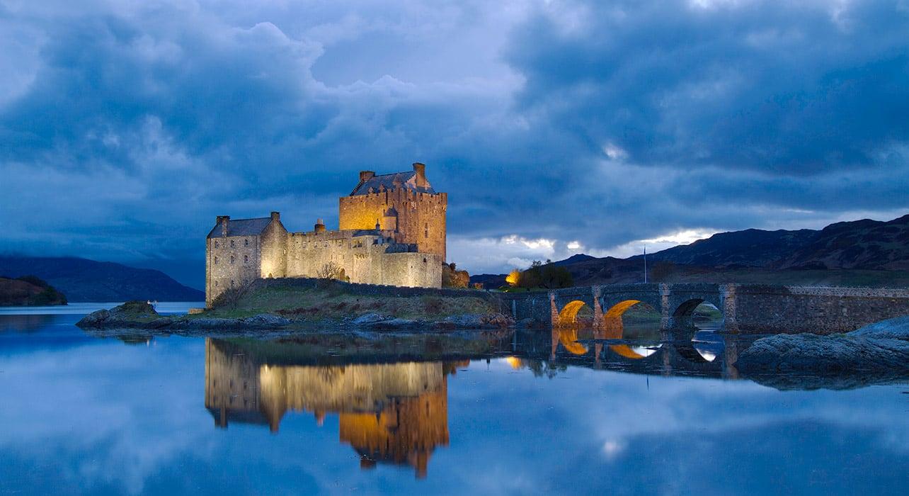 eilean donan castle scotland lake