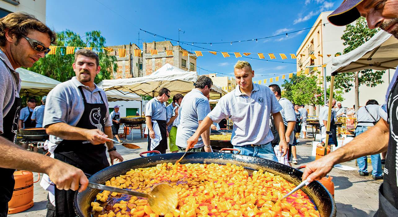 spain paella chefs street fair
