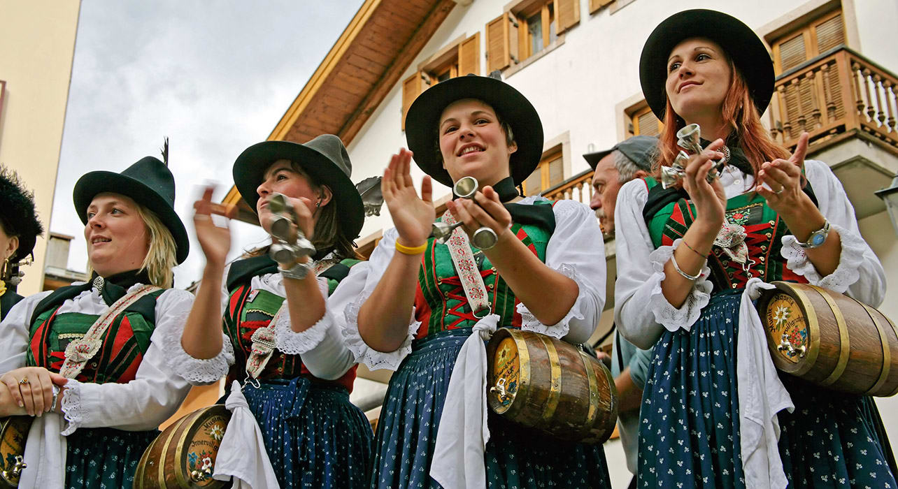 alps barrel girls traditional costume