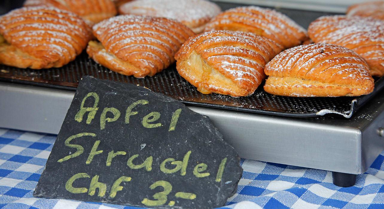 3 slide switzerland grindelwald apple strudel pano