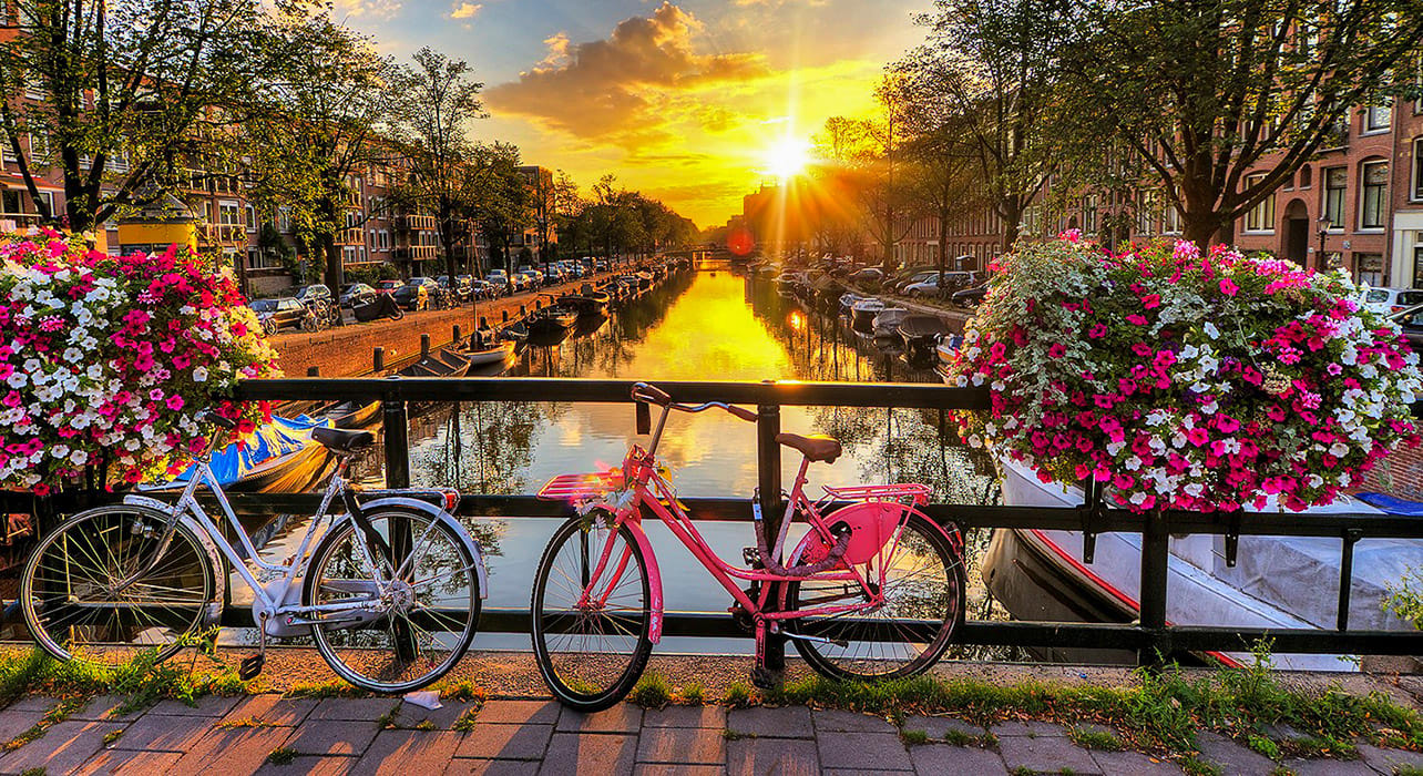 netherlands amsterdam canals at sunrise