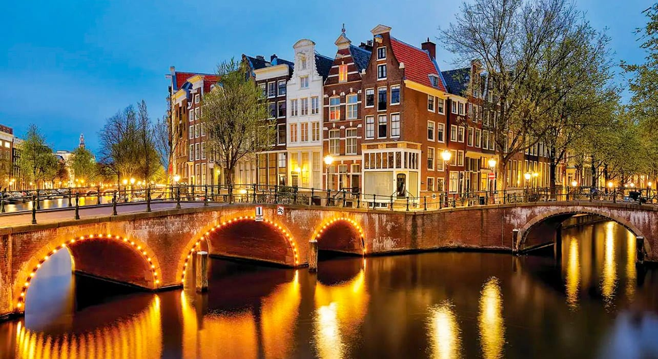 netherlands amsterdam canals evening