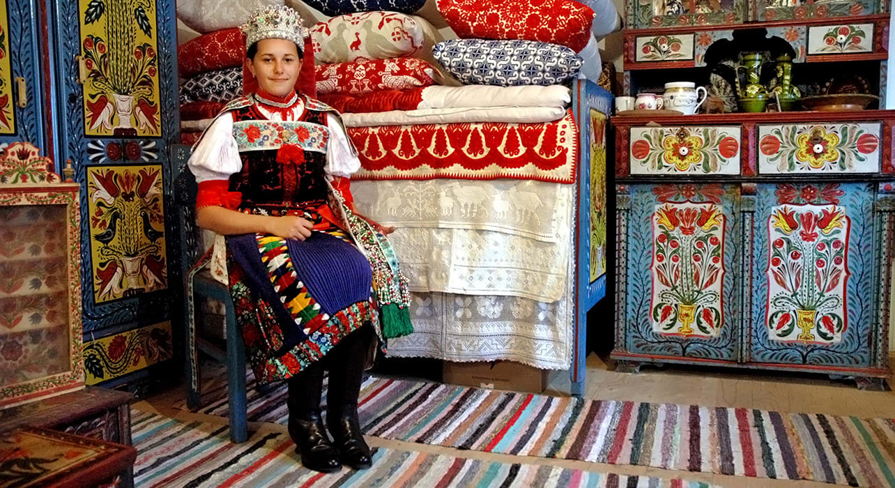 romania traditional clothing pillows