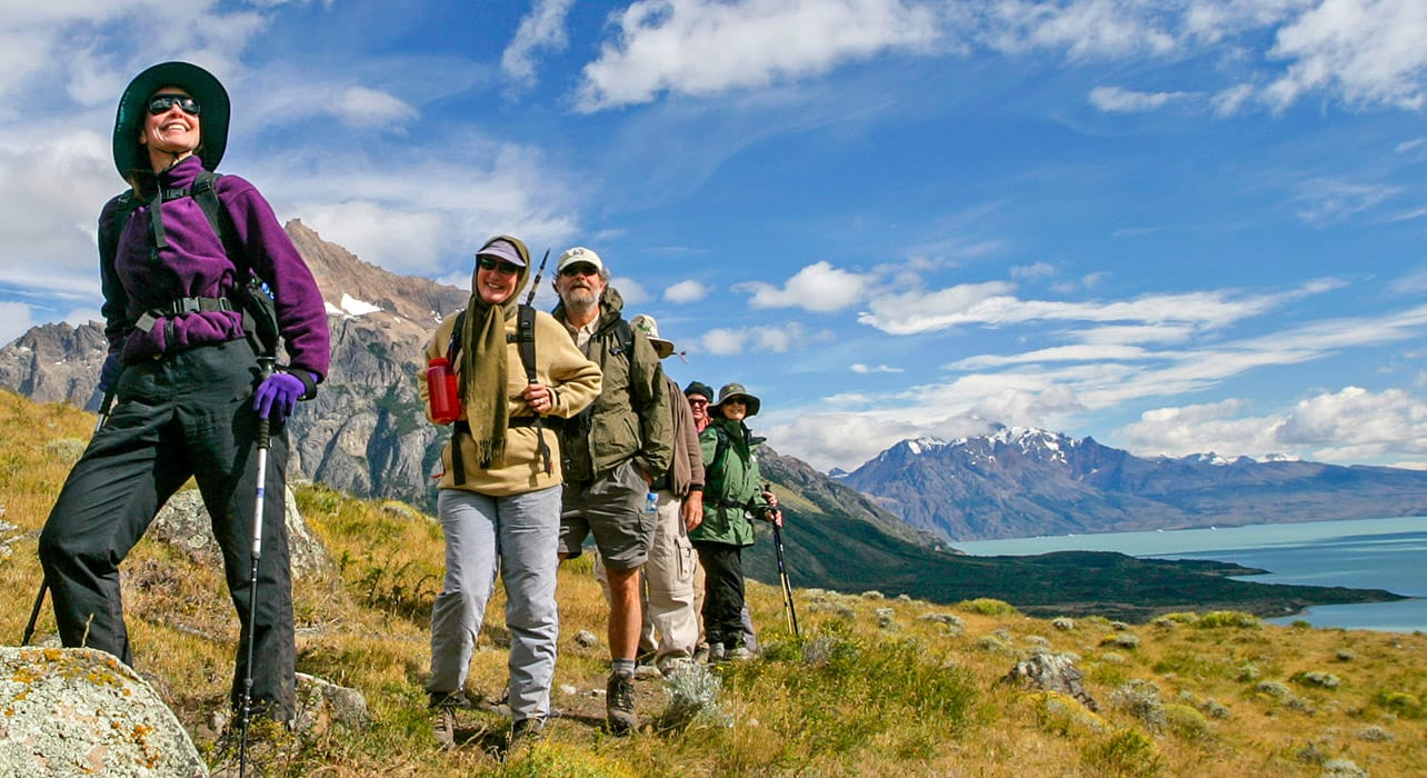 group of hikers patagonia lago
