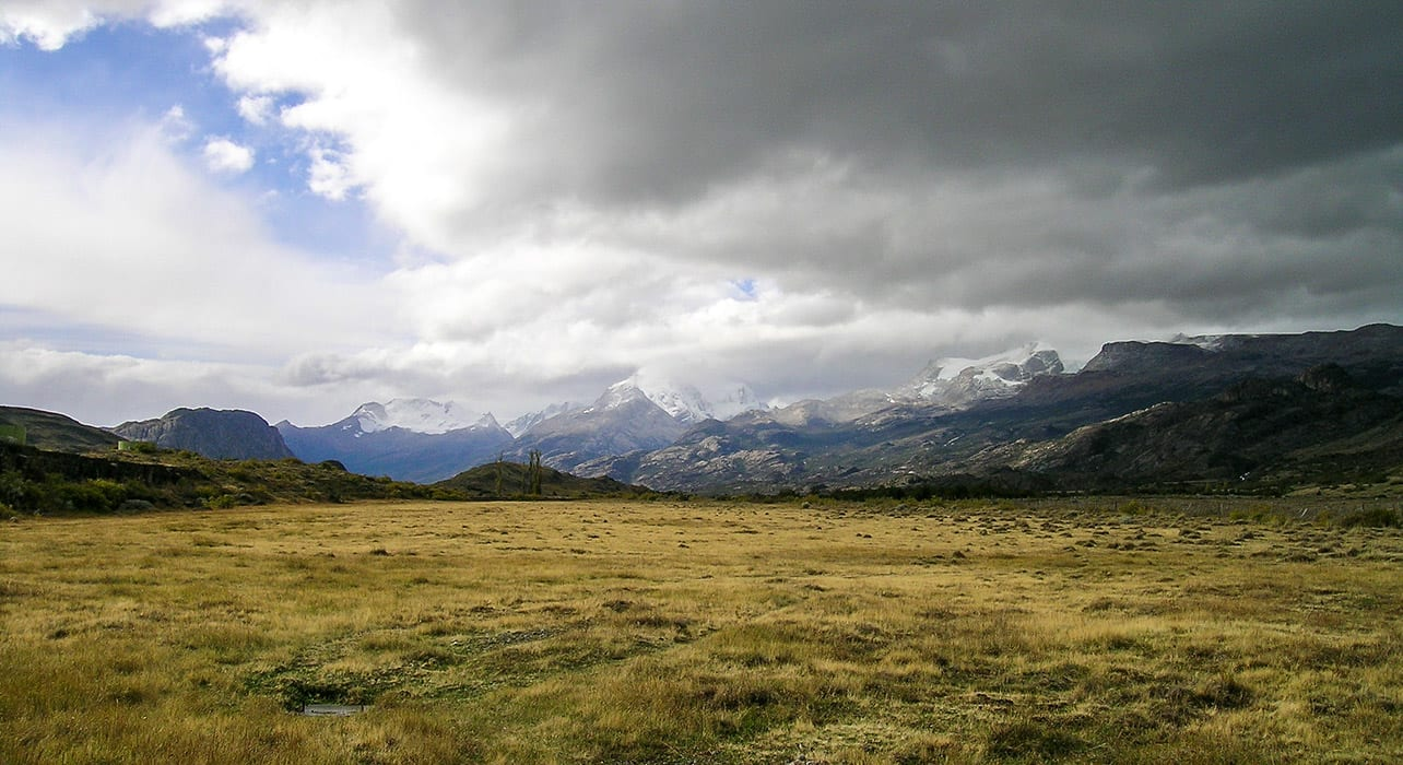 chile patagonia pampa mountains