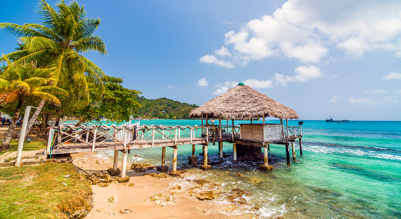 colombia sapzurro bungalow on beach