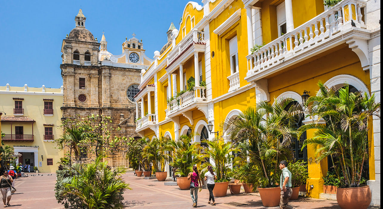 colombia cartagena old town colorful buildings