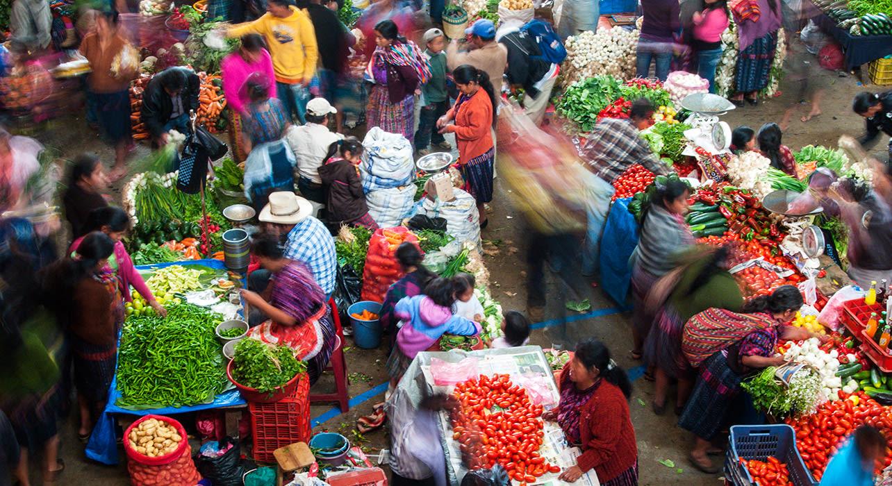 7 slide chichicastenango market busy pano