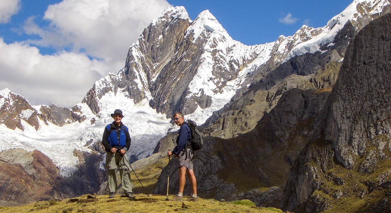 cordillera huayhuash hikers