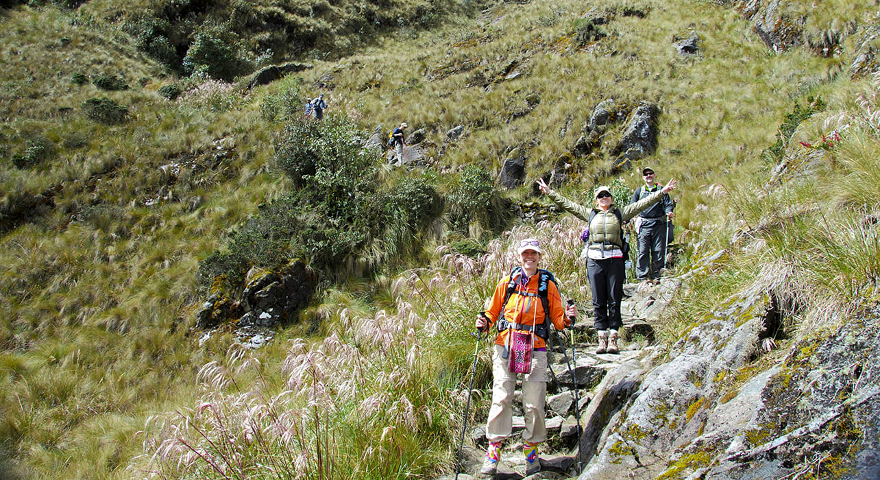 inca trail peru hikers trekking